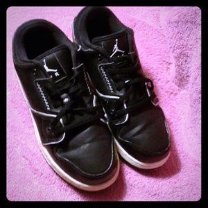 Jordan flight shoes